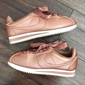 Nike Cortez Rose Gold Lace Up Sneakers Size 6.5